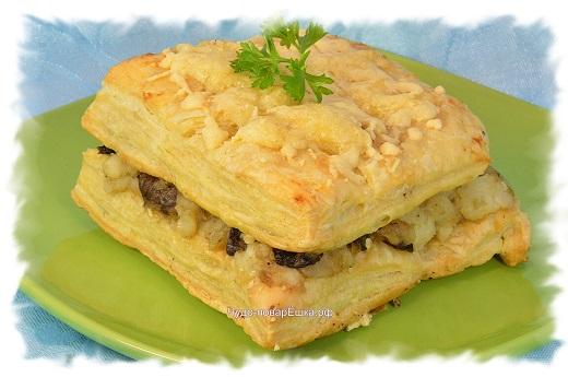Горячий Наполеон с картофельно-грибным кремом