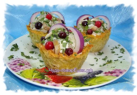 картофельные корзиночки с сельдью